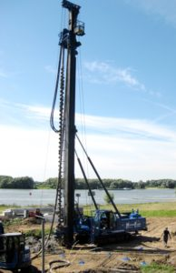 Levering nieuwe betonschroefpaalmachine LBT-50-22