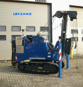 Firma Kennis gets to work with new LBT 1.8 HE mini low head piling rig.